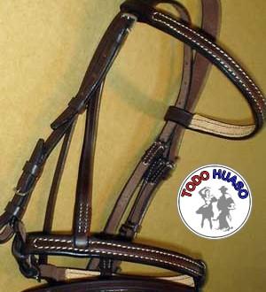 Cabezada y musarola equitación